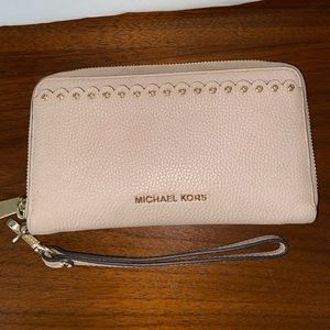 Michael Kors Pebbled Leather Smartphone Wallet
